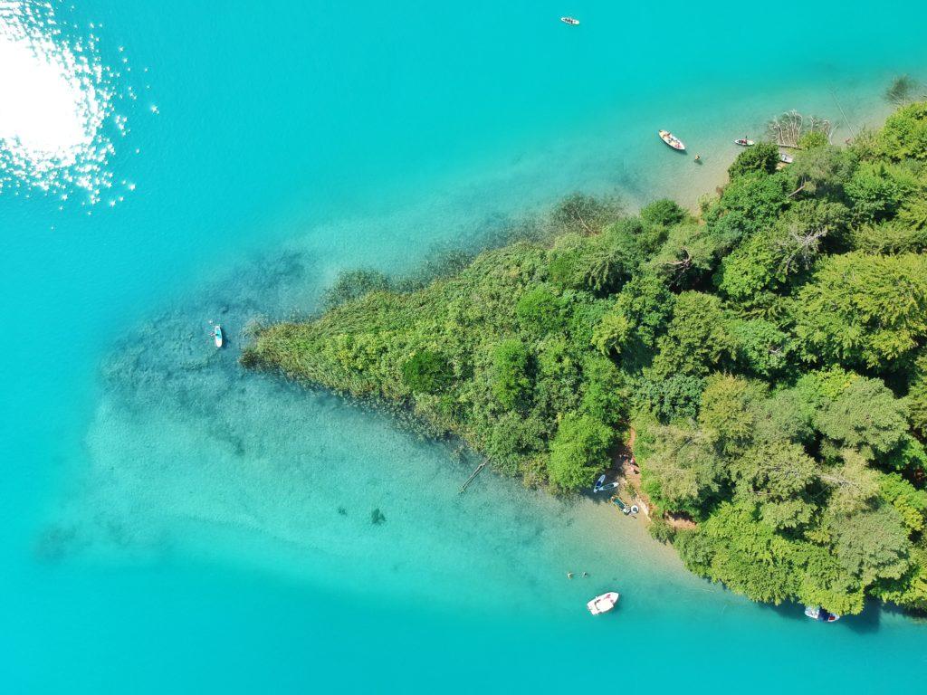 Faaker See, Drohnenfoto, Badesee, Österreich, Kärnten
